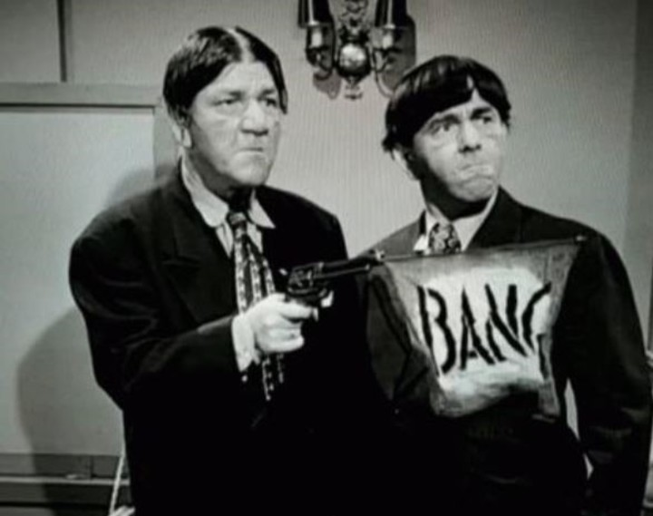 Moe and Shemp Howard, brothers in life and protagonists of The Three Stooges.