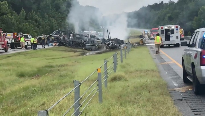 The crash occurred on Saturday on Interstate 65, about 55 kilometers from Montgomery.  Photo Reuter