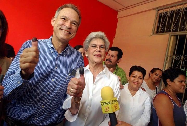 Pedro Joaquín Chamorro Barrios and his mother, Violeta Barrios de Chamorro, former president of Nicaragua.  AP Photo