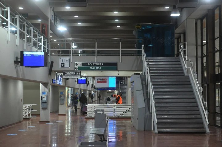 There was no official act of reopening.  Simply, the Retiro terminal began operating at 8. Photo Guillermo Rodríguez Adami