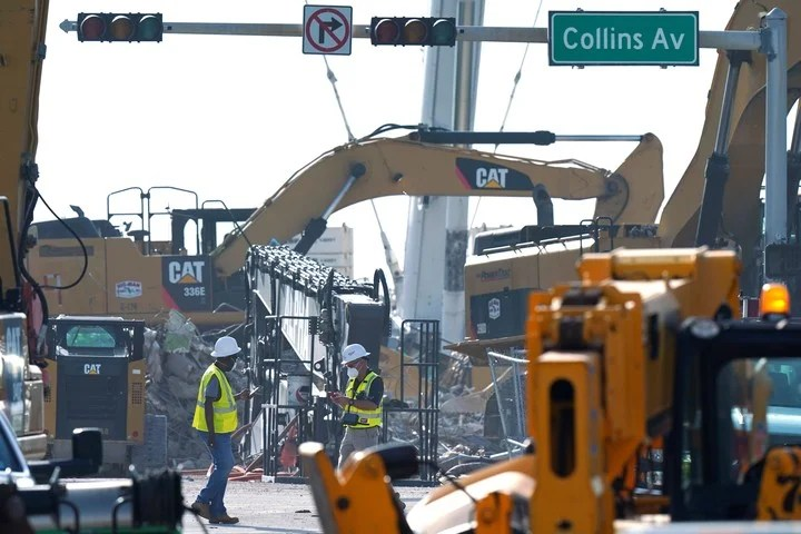 Search work under the rubble continues on the building that collapsed in Miami.  Photo: AP