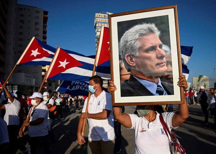 """The president of Cuba.  Miguel Díaz-Canel, called a demonstration in """"defense of the revolution"""" and in support of the government, on July 17 in Havana.  Photo: AFP"""