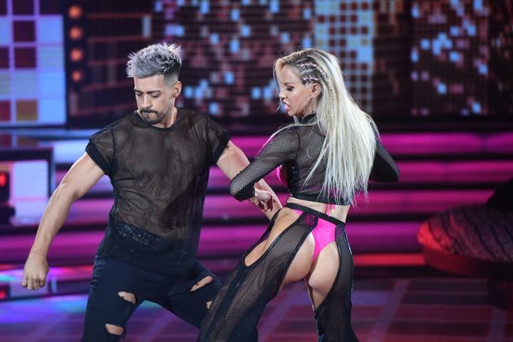 Luli Salazar and Jorgito Moliniers danced a super hot reggaeton at ShowMatch's La Academia.  Photo LaFlia / Jorge Luengo and Julio Ruiz.