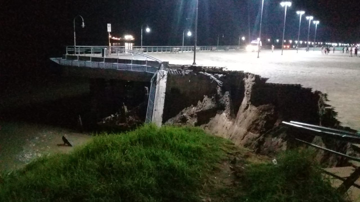 This is how the ravine that collapsed on Friday night was left.  Photo: Juan José García