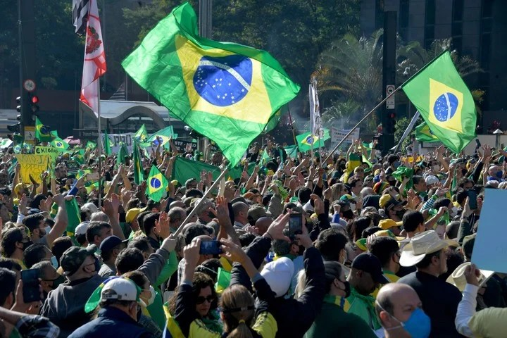 The president of Brazil announced that he will call for new marches to ask for the printed vote for the 2022 elections. Photo: AFP