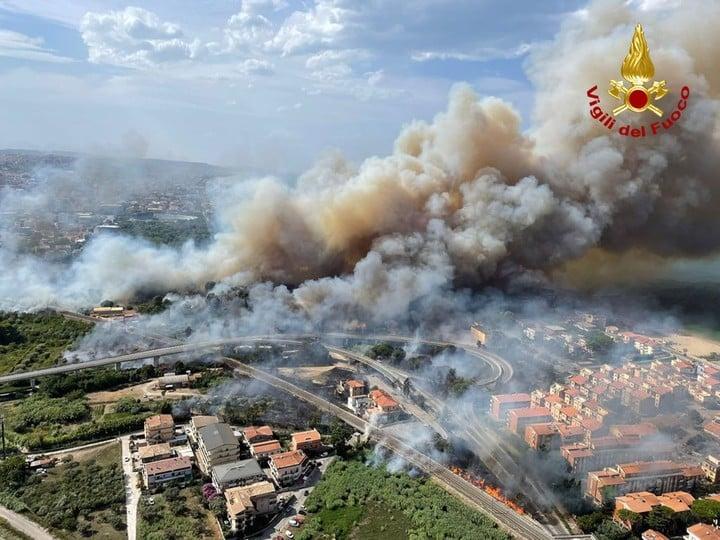 Fire in the Abruzzo region, Italy.  Photo EFE.