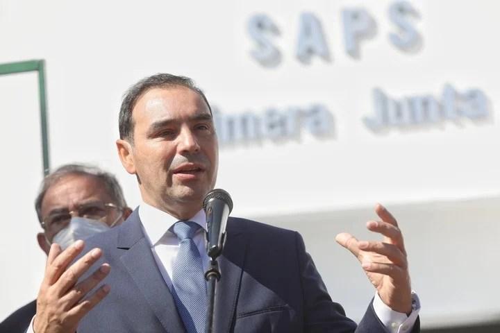 Radical Governor Gustavo Valdés.