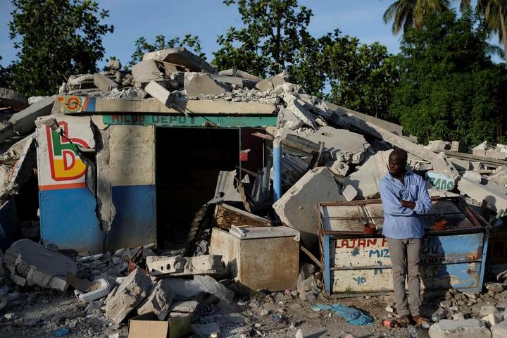 In Saint-Louis-du-Sud, Haiti, a house destroyed.  AFP photo