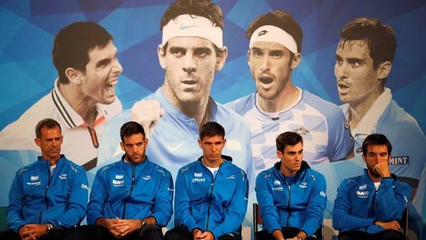 El capitán, Orsanic, junto a Del Potro, Delbonis, Pella y Mayer, la ilusión argentina para la final de la Davis. (AP Photo/Darko Vojinovic)