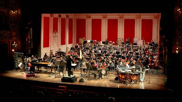 Monumental. El Ensemble tuvo despliegue sonoro y teatral. (Foto: Teatro Colón)