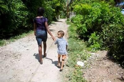 Anderson es el fruto de una relación entre el marine uruguayo Julio César Posse y una mujer haitiana. Posse formaba parte de la misión de paz de Naciones Unidas desplazada en Port Salut. (AP Foto/Dieu Nalio Chery)