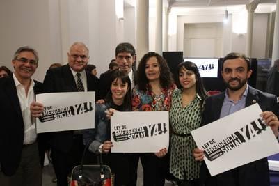 Diputados que apoyan la Ley de Emergencia Social