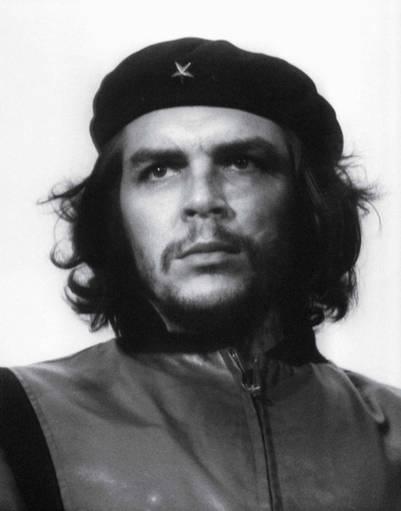 El cubano Alberto Korda inmortalizó con su Leica a Ernesto Guevara en 1960.