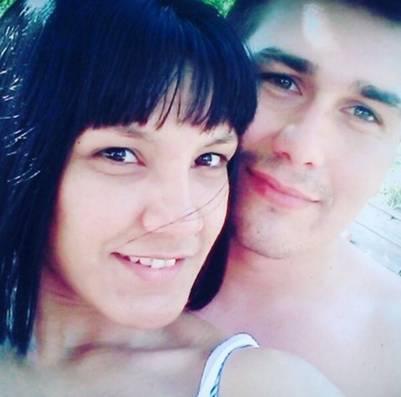 Notagay junto a su novio José María Slapak, que está prófugo.
