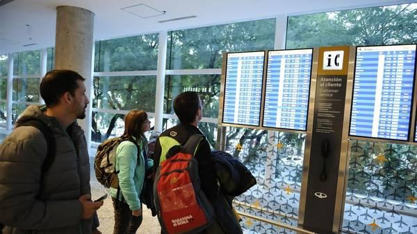 Un paro de controladores aéreos afecta los vuelos en todo el país. (foto Pedro Lázaro Fernández)