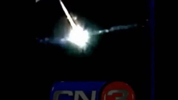 El presunto bólido, filmado en Pinamar. (Captura imagen CN3 Pinamar)