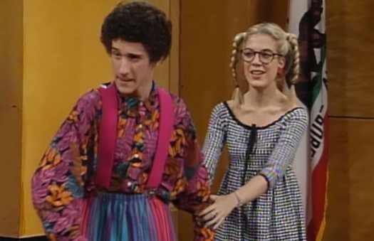 Dustin Diamond's first kiss was with co-star Tori Spelling ...