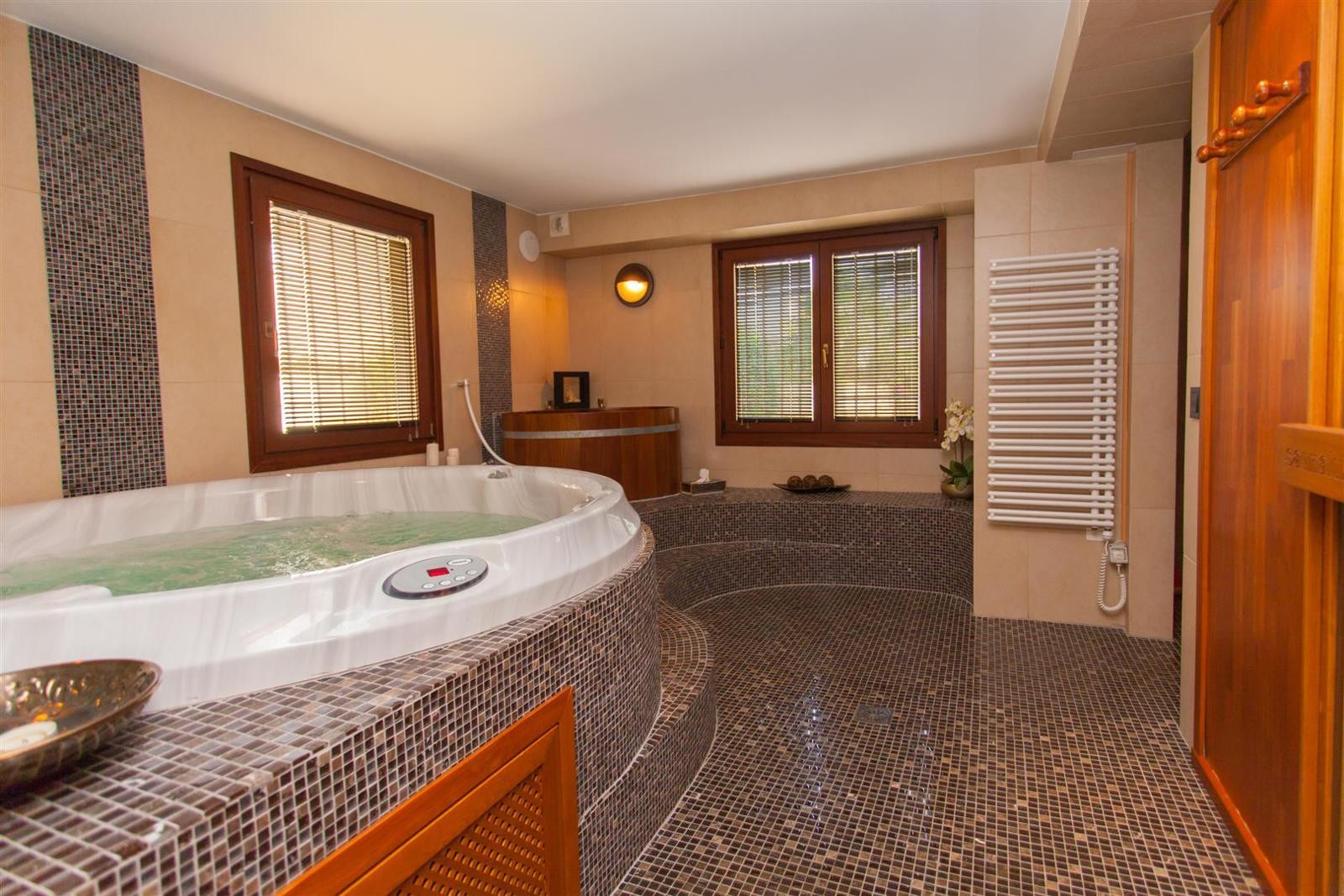 You Can Relax In Your Own Spa, That Consists Of A Sauna Heated By An  Electric Stove That Accommodates 4, ...