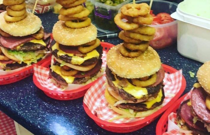 burger-challenge-meal-rockin-diner
