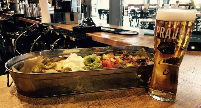 nachos and beer from Southbank Bar in Nottingham