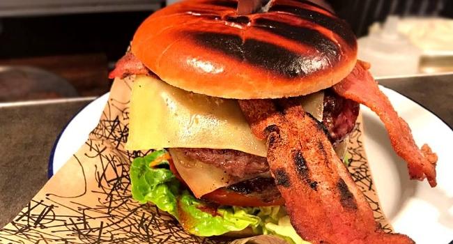 major-oak-burger-from-oak-nottingham