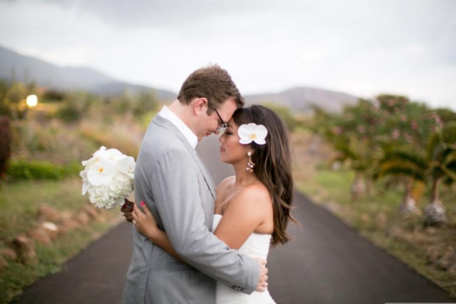 16 Beautiful Wedding Hairstyles With Flowers WeddingWire