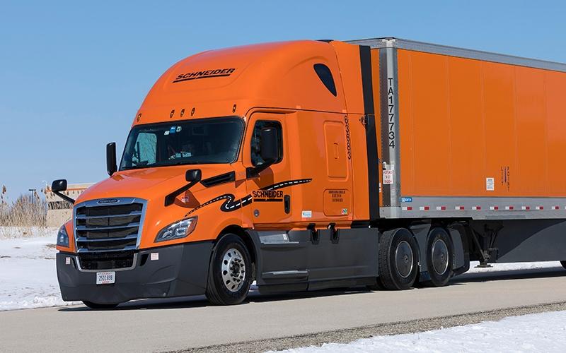 2018 schneider trucks feature apus
