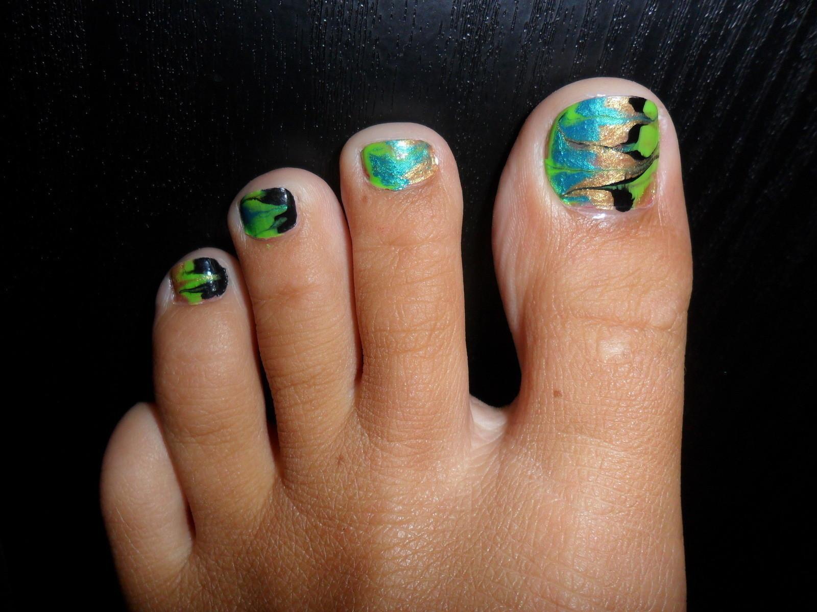 Summer Swirl Toe Nails Patterned Nail Art Nail