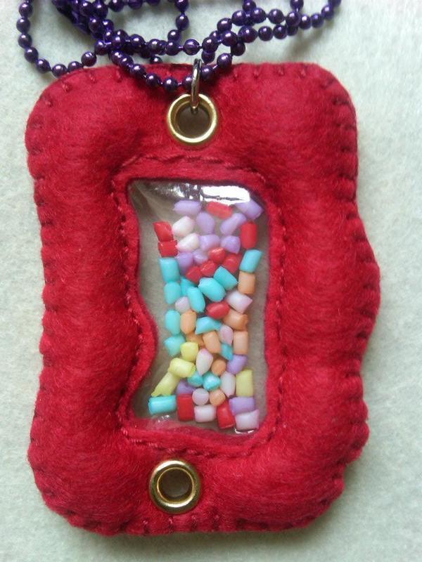 Felt Fabric Necklaces 183 A Fabric Necklace 183 Decorating