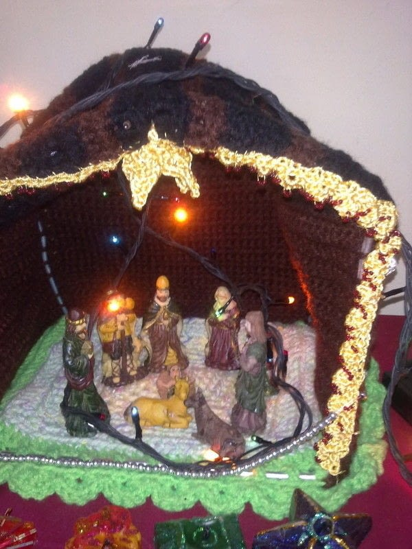 Crocheted Nativity Stable 183 A Nativity Scene 183 Crochet And