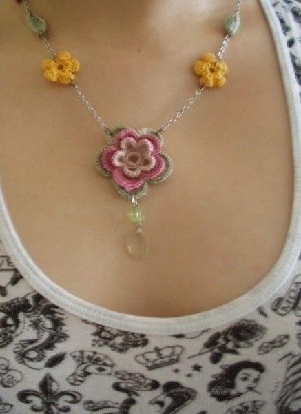 Chrochet Flower Necklace A Knit Or Crochet Necklace