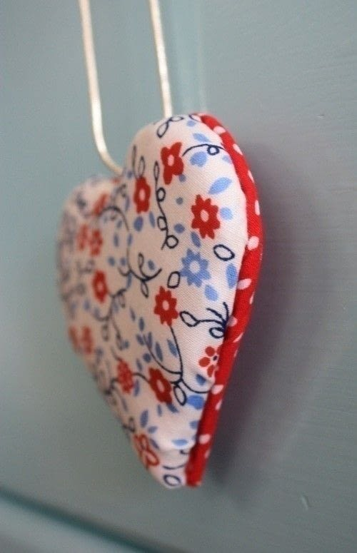 Padded Fabric Hearts 183 How To Make A Shoe Clip 183 Sewing On