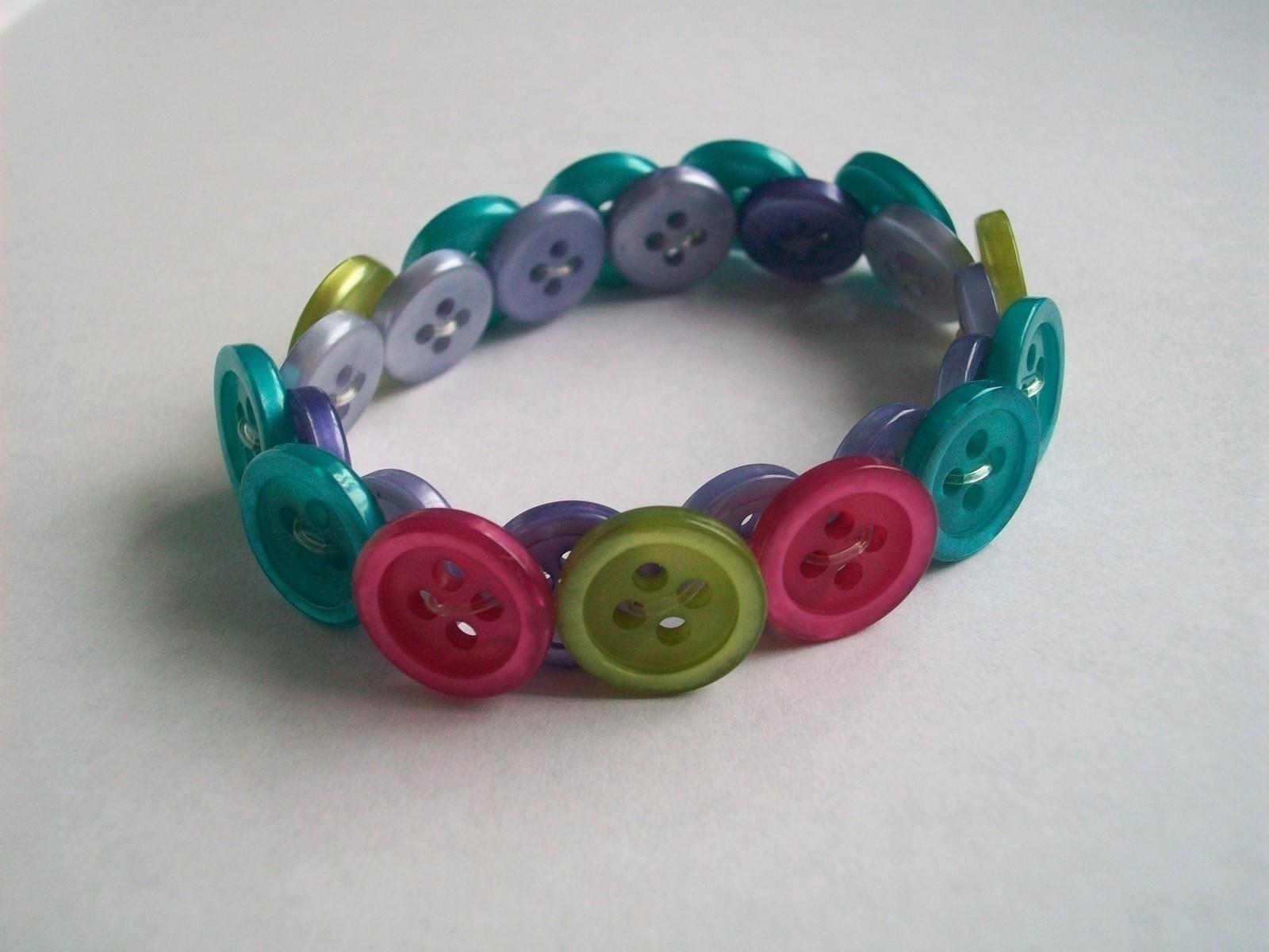 Button Bracelet A Button Bracelet Jewelry Making On