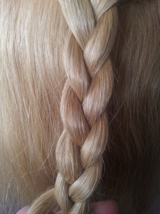 how to do a basic three strand braid · how to style a braid