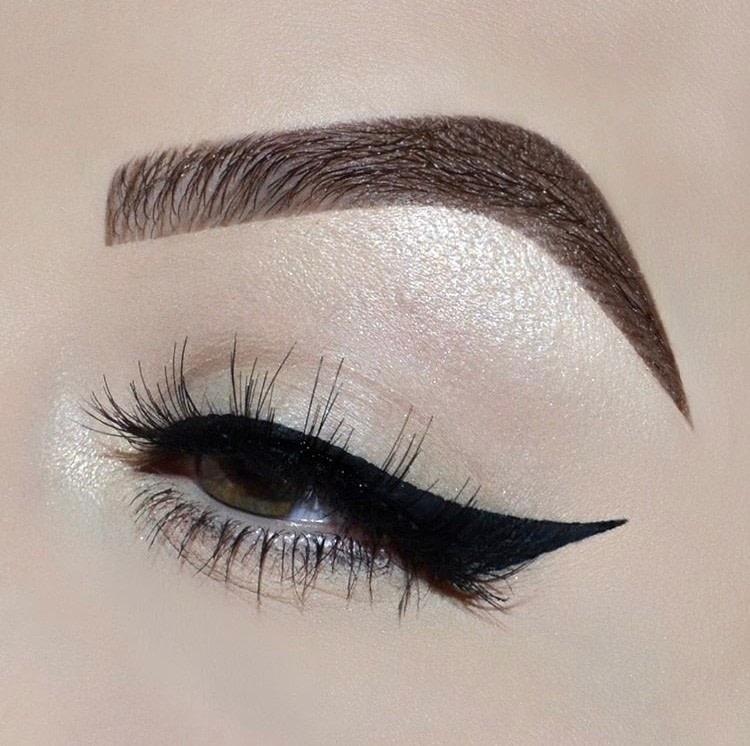 Simple Winged Eyeliner Tutorial How