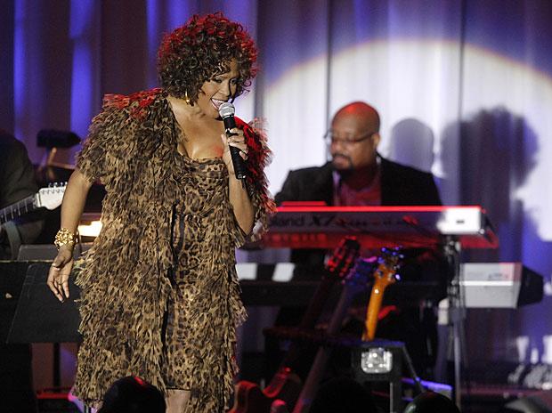 Il ritorno di Whitney  - Whitney Houston canta al Clive Davis pre-Grammy party, a Beverly Hills. Dopo tanti problemi un po' di serenità (AP Photo/Dan Steinberg)