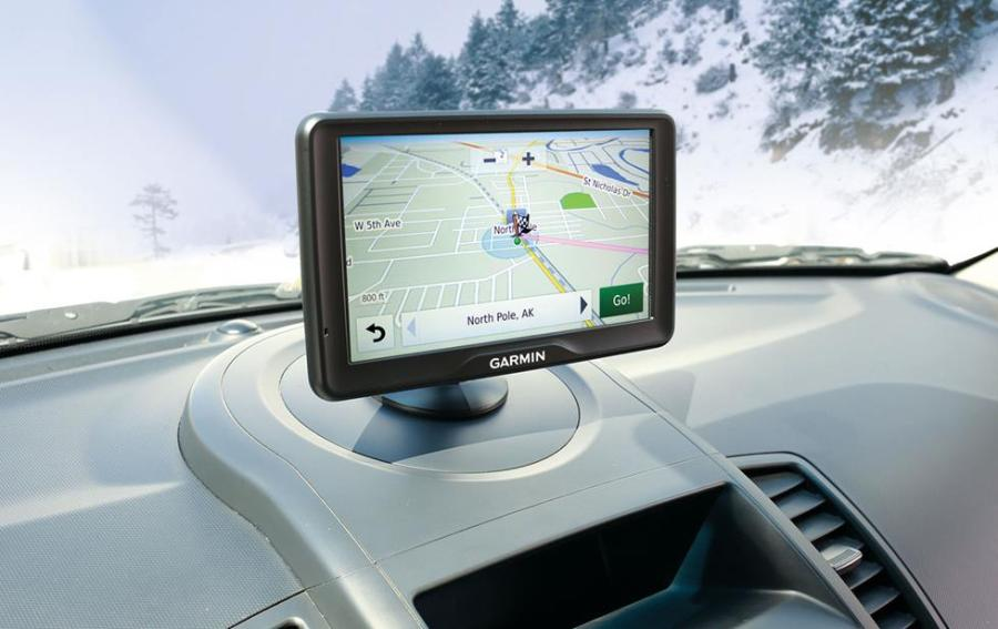 Portable GPS Navigator Shopping Guide Portable GPS on the dash
