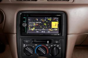 The Advantages of a Touchscreen Stereo in Your Car
