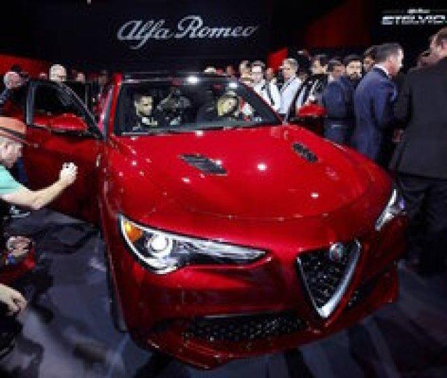 2018 Alfa Romeo Stelvio Suv Debuts At Los Angeles Auto Show