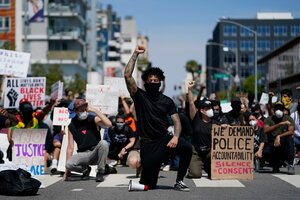 Peaceful George Floyd protests in US morph into violence and looting - CSMonitor.com
