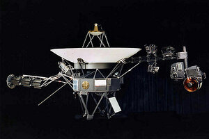 Voyager 1 spacecraft entering 'heliopause,' leaving solar ...