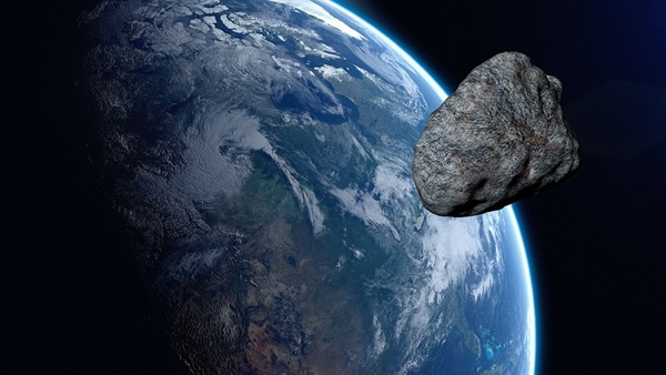 Astronomers Spot an Asteroid Just Before it Zips Between ...