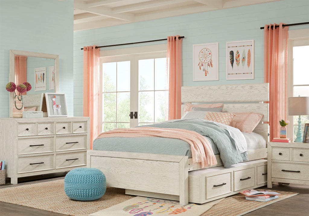 Teen Girls Room Decorating Ideas, Designs, Decor, and More on Teenager Room Decor  id=11298