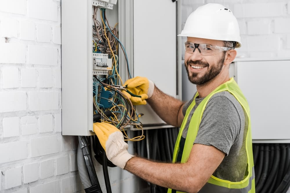 Electrician License Requirements by State | CoverWallet