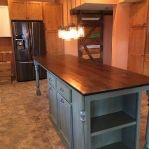 Todd Gladfelter  Worthys Run Furniture   Hedgesville  WV Kitchen Island With Seating by