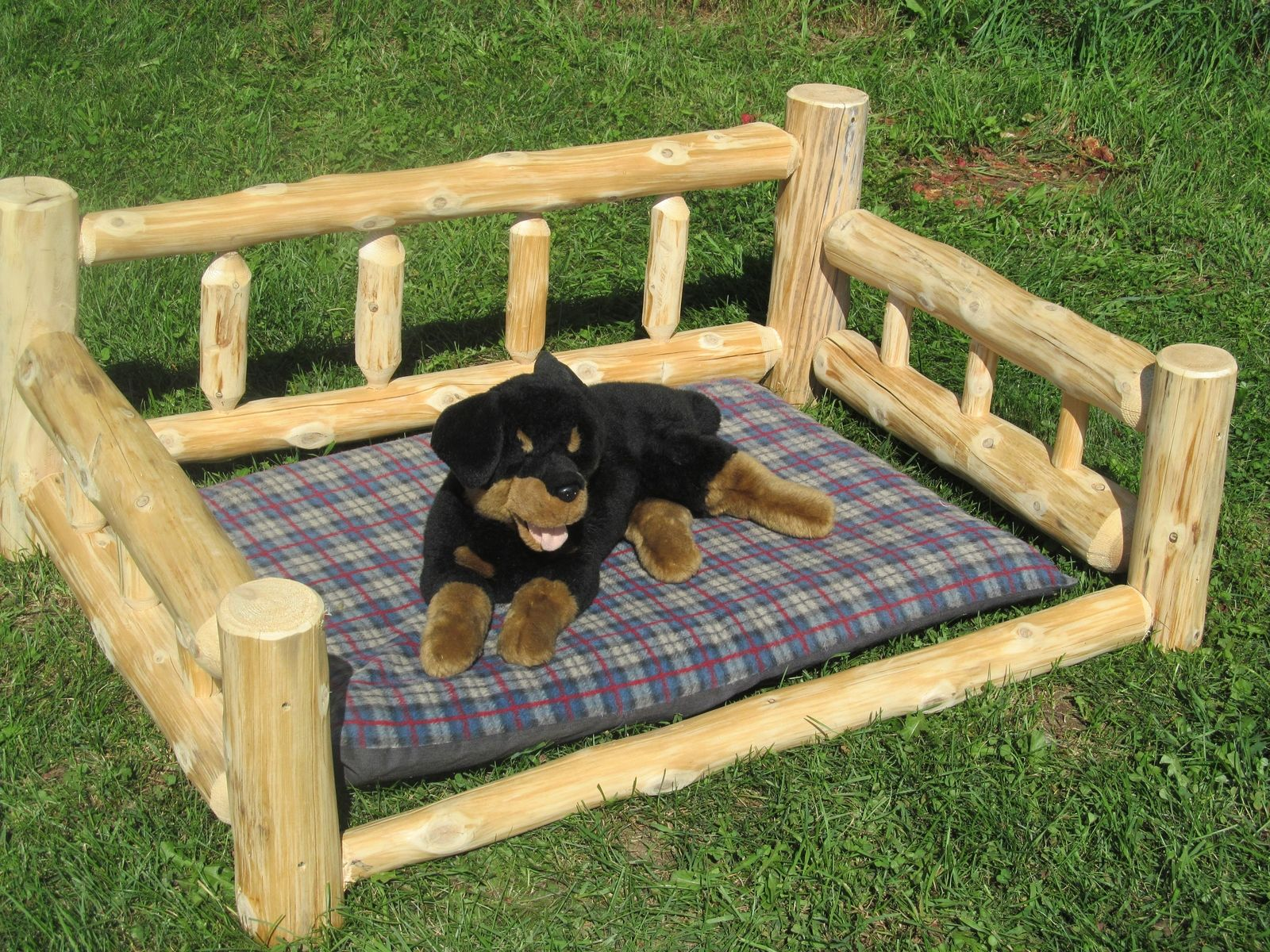 Custom Dog Bed By Vermont Timbersmiths