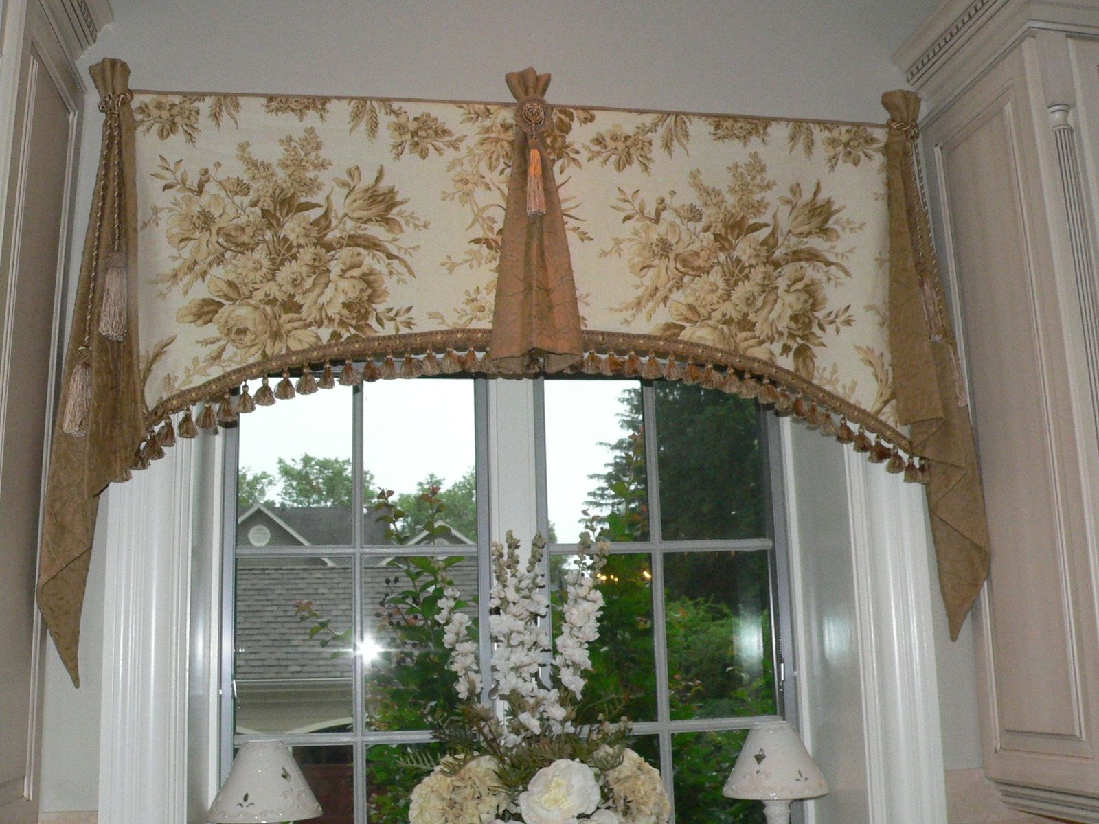 Elegant window treatments swags Elegant window treatment ideas