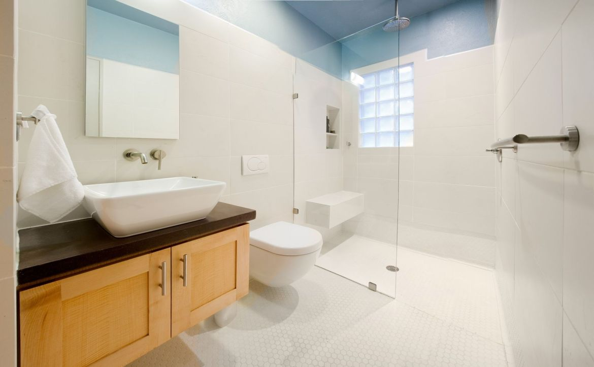 floating vanity infuses a great aesthetic appeal into your bathroom by taking less real estate and making your space look bigger than it is.