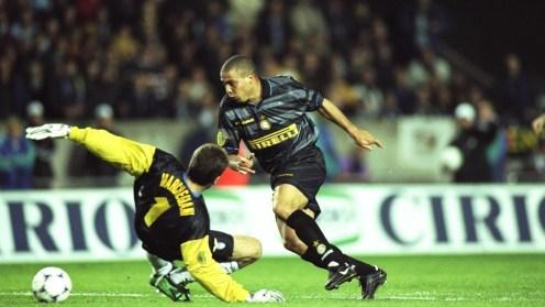Ronaldo e la Coppa UEFA del 1998: quel doppio passo rimasto nella leggenda   Goal.com