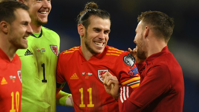 Bale trolls Real with 'Wales, golf, Madrid' banner after sealing ...